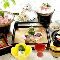 *料理一例/見た目にも美しい会席料理。