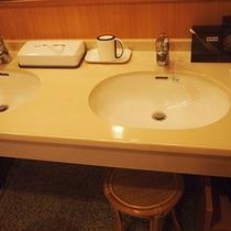 *お風呂/ゆったりご利用頂ける洗面台