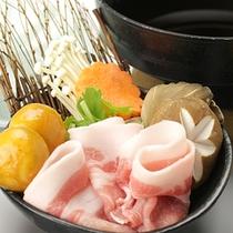 *飛騨けん豚鍋一例/やわらかくて、あっさりとした味の飛騨けん豚