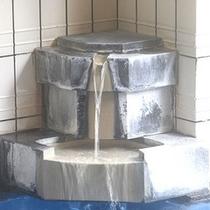 *お風呂/豊富な湯量で下呂温泉にどっぷり浸かる。