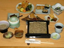 粋なお料理を出し、常にお客様を喜ばせる「江戸前そば しおいり」のコース料理