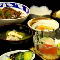 【夕食(一例)】女将お手製ほっこり定食♪
