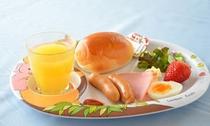 幼児(2歳〜6歳未満)のお子様の朝食の一例です。