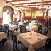 ★レストラン「エスカーレ」