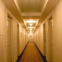 ★落ち着きのある客室廊下