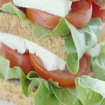 パンでサンドイッチも出来ます。