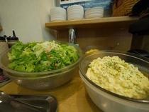 無料朝食バイキング◆朝のバイキングでお出ししているお料理の一例です。