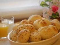 無料朝食バイキング◆朝食バイキングに、ヨーロッパ直輸入の無添加パンも取り揃えております♪