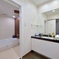 【MAIN TOWER】セントラルスイートルーム バスルーム