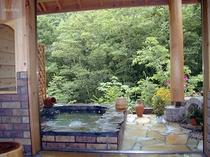 貸切露天風呂「ホタルの庭園」