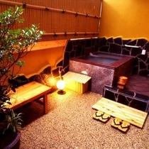 客室: 半露天風呂付客室(風呂:角型) ※一例です