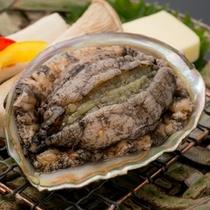 磯の香りがほのかに香るアワビの踊り焼き。旨味の詰まった焼き立てほくほく鮑をご賞味下さい♪