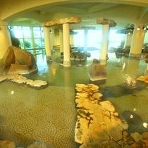 ※関東随一の広さを誇る王朝大浴殿