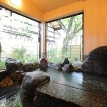 貸切家族風呂【桜の湯】入浴時間のご予約はチェックイン時に承ります。