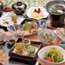 和食会席(鮑の踊り焼き付き)料理一例