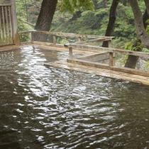 四季折々の景色をお楽しみいただける露天風呂