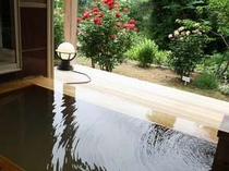 温泉露天付きツインルームのお風呂