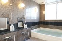 お風呂は男女それぞれにご用意させていただいております。