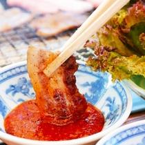 福井のブランド豚といえば「福井ポーク」甘みのある脂身とコクのある肉質、カリッと焼けたら特製の辛みそを