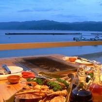 夜のテラス席☆海を眺め夕暮れタイムを楽しみながら♪