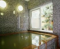貸切利用の内風呂。