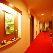 館内一例:新館の廊下