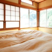 【川側8畳和室+ベッドルーム】左2