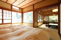 川側8畳&ベッドルーム7畳
