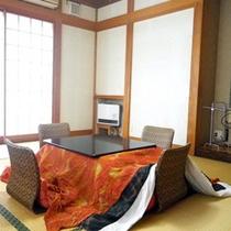 *【客室一例】3階の角部屋にある、静かで落ち着いた雰囲気の「楓の間」