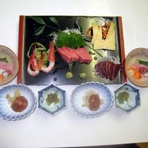 *【夕食一例】駿河湾でとれた新鮮な海の幸など、この土地ならではの素材ご堪能下さい。