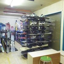 *【スキーレンタル】冬レジャーの時期には当館にてレンタルも行っております。