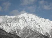 雪のかむろ岳