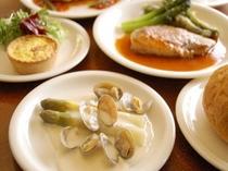 ディナー一例、(旬食材/アスパラガス)