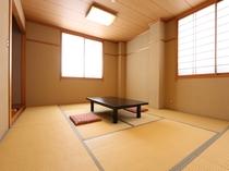 心やすらぐ和室10畳のお部屋です