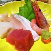 *【刺身】日本海に程近い赤倉。夕膳には、新鮮な海の幸が膳を彩ります。