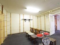 【本館1階・乾燥室】ボード板はこちらの部屋で乾燥できます。