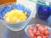 【朝食ビュッフェ】新鮮フルーツは毎朝、3種類~5種類ほどご準備しております。