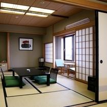 和室スイートは10畳と6畳の2間。団体様でもゆったりとお寛ぎできます(^-^)