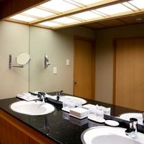 和室スイートの洗面所やお風呂は広くて使い勝手OK!
