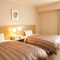 ツインルーム ベッド幅120cm2台