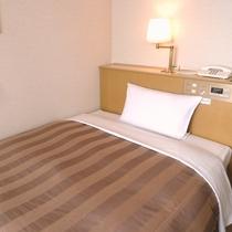 シングルルーム ベッド幅120cm