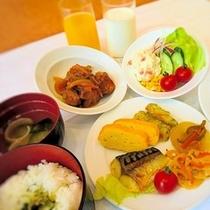 朝食バイキング〜