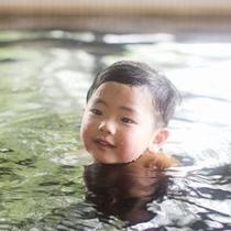 小さなお子様でも安心の泉質です。肌に刺激がないから乾燥肌にも抜群の効果がございます