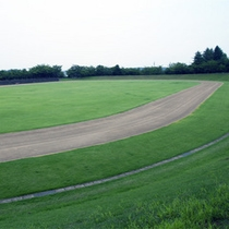 *陸上競技場/400mトラック6コース・5000人の収容が可能です!