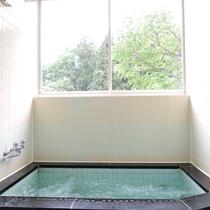 *お風呂/交代で貸切でご利用いただきます。