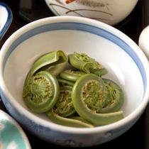 *お料理一例(山菜)