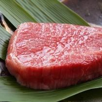 ■【ステーキ御膳】分厚いお肉で、食べ応え十分です。