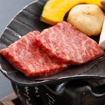 ■【懐石料理の一品】信州牛一口ステーキ。柔らかく、口の中でとろけます。