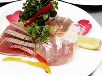 夕食イメージ お魚盛り合わせ キンメ、炙りサーモン、炙りマグロ