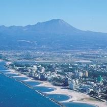 皆生温泉海岸と大山